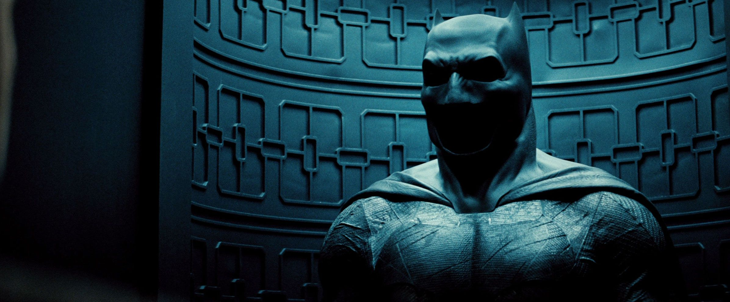 Batman V Superman Pictures From Trailer Feature Ben Affleck As