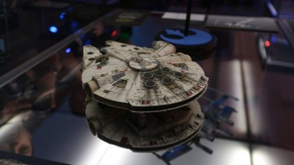 star-wars-7-falcon-model