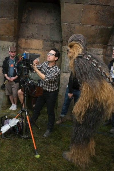 star-wars-7-force-awakens-jj-abrams-chewbacca