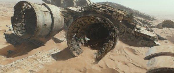 star-wars-7-force-awakens-millennium-falcon-hi-res-1