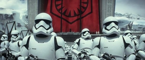 star-wars-7-force-awakens-stormtroopers-hi-res
