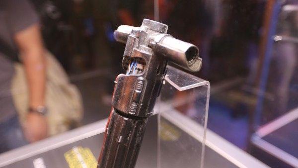 star-wars-7-kylo-ren-lightsaber