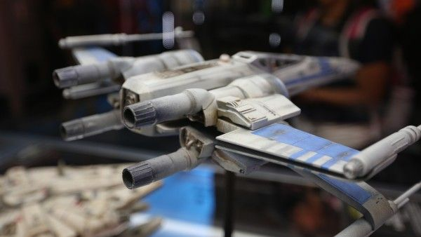 star-wars-7-x-wing-fighter-resistence-model