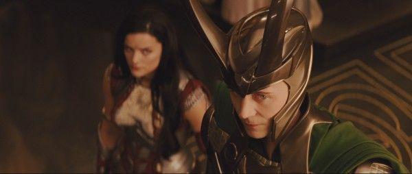 thor-tom-hiddleston-loki-helmet
