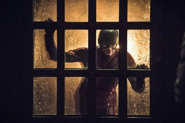 arrow-season-3-finale-image-the-flash-caption-this