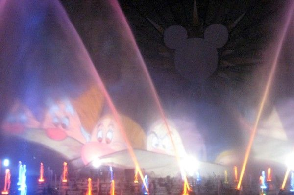 disneyland-anniversary-world-of-color-10