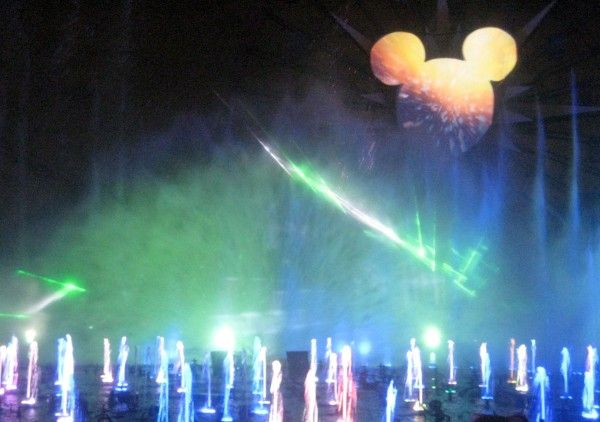 disneyland-anniversary-world-of-color-16