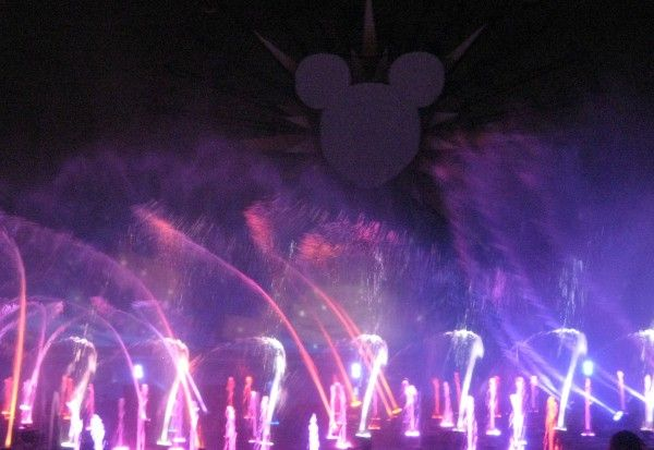 disneyland-anniversary-world-of-color-9