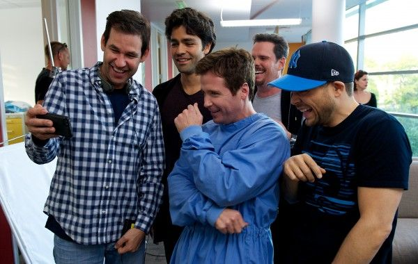 entourage-movie-set-image-doug-ellin-adrien-grenier