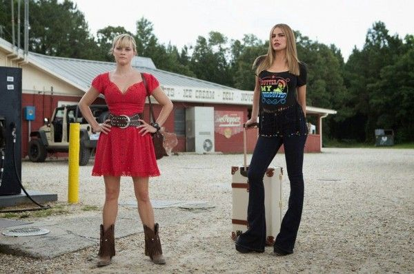hot-pursuit-sofia-vergara-reese-witherspoon-2