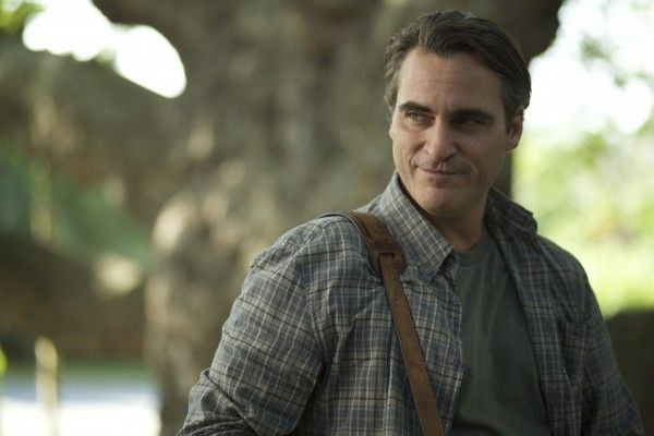 joaquin-phoenix-far-bright-star