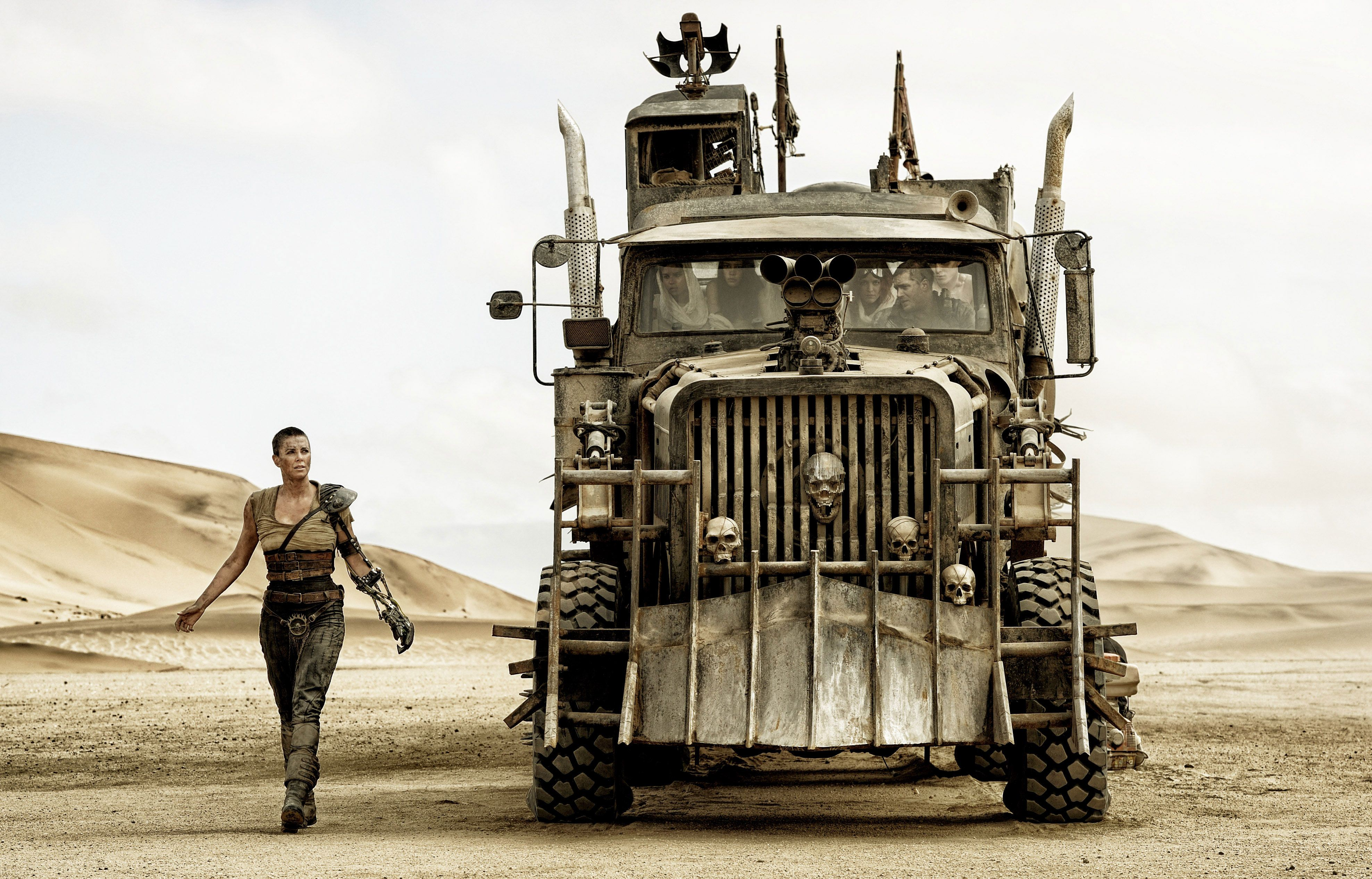 mad max fury road black and white cut gets blu ray release collider. Black Bedroom Furniture Sets. Home Design Ideas