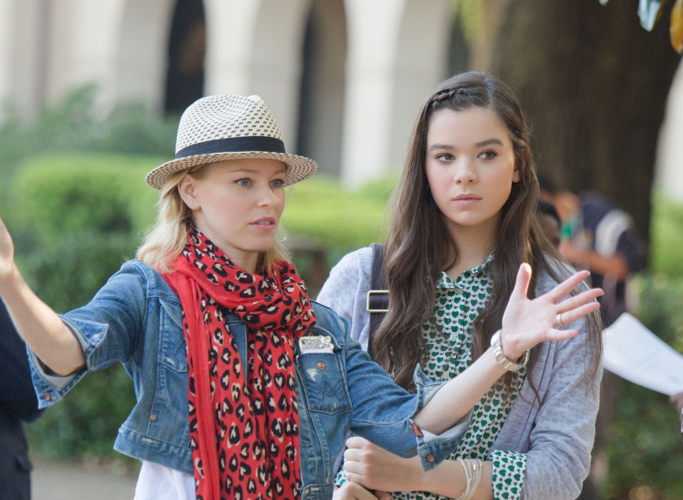 Hailee steinfeld filming pitch perfect nudes (85 pictures)