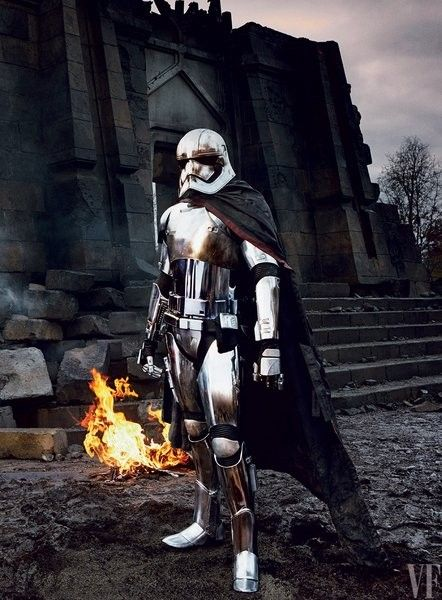 star-wars-episode-viii-gwendoline-christie-captain-phasma