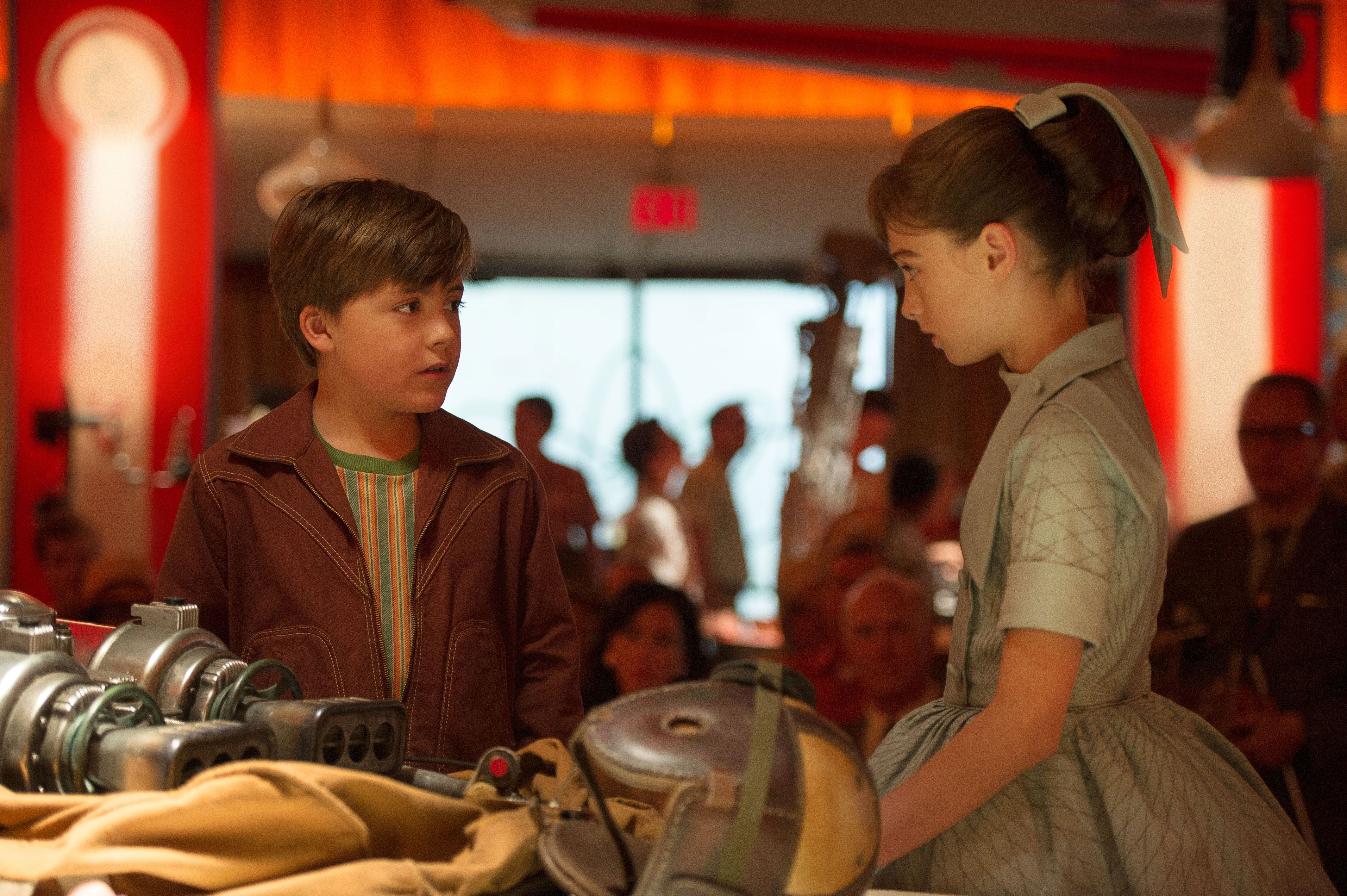 Tomorrowland Review A Future Built On Phony Optimism