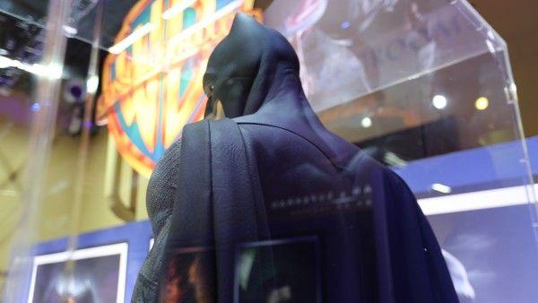 batman-cape-batman-vs-superman