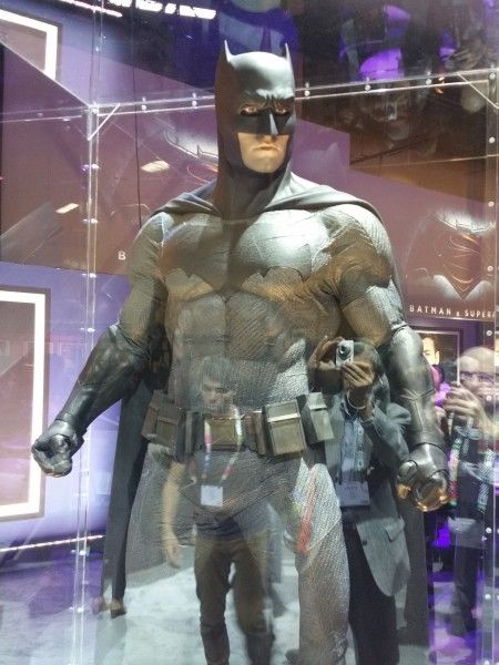 batman-v-superman-batman-costume-image