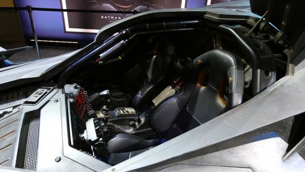 batman-v-superman-batmobile-interior-image