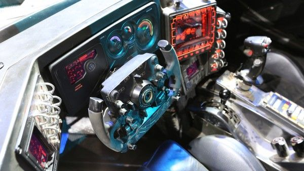 batman-v-superman-batmobile-steering-wheel-image