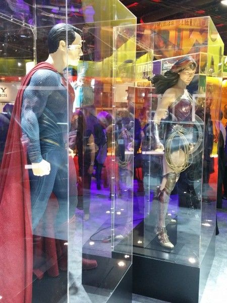 batman-v-superman-superman-costume-wonder-woman-costume