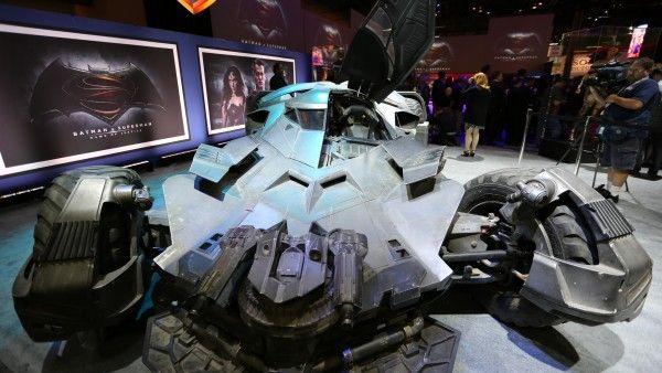 batman-vs-superman-batmobile