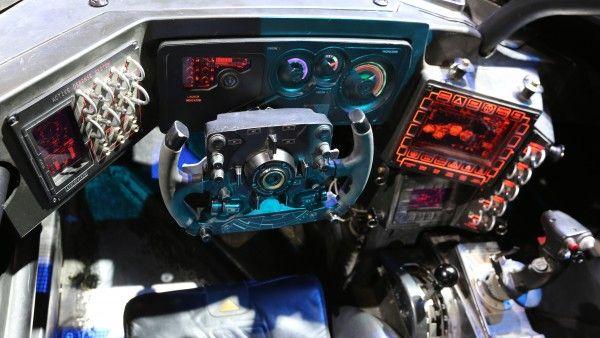 batman-vs-superman-batmobile-steering-wheel-image