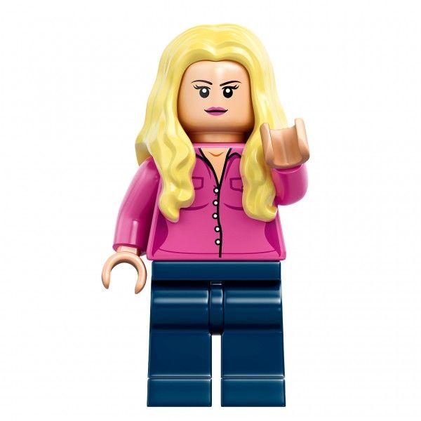 big-bang-theory-penny-lego-minifigure
