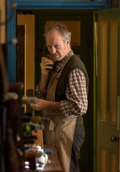 humans-amc-william-hurt