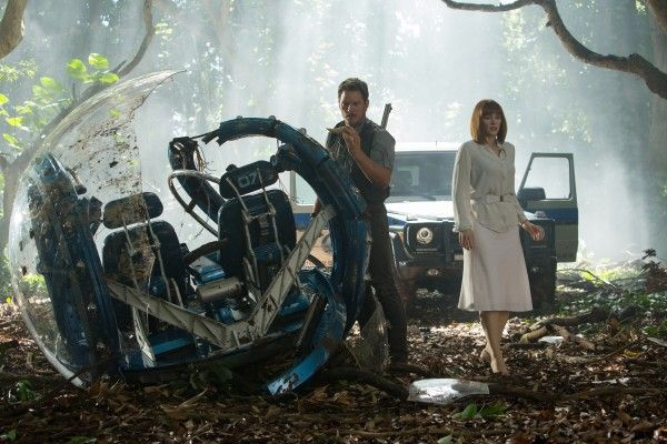 jurassic-world-chris-pratt-bryce-dallas-howard