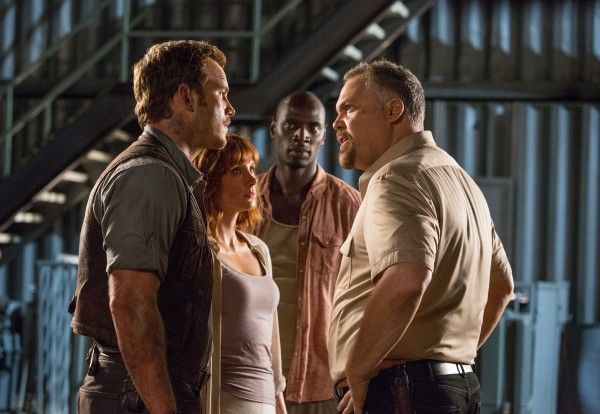 jurassic-world-2-vincent-donofrio-chris-pratt