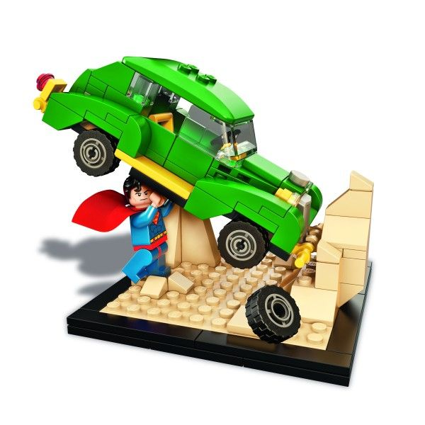 lego-superman-comic-con-exclusive