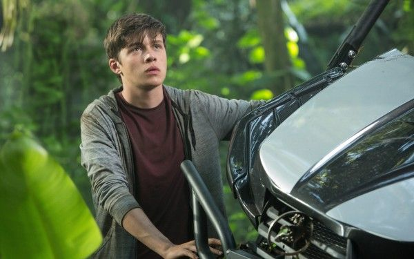 jurassic-world-interview-nick-robinson