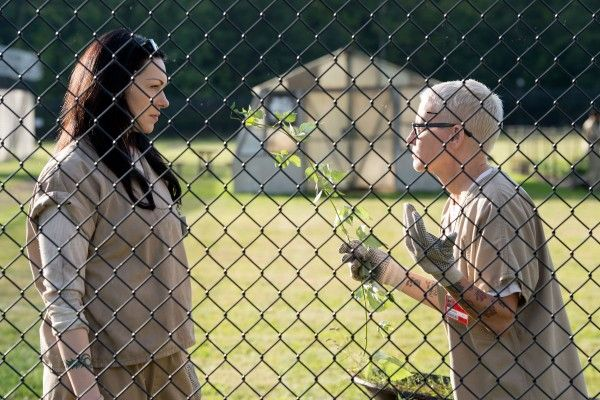 orange-is-the-new-black-episode-308-laura-prepon-lori-petty
