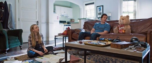 ted-2-amanda-seyfried-mark-wahlberg