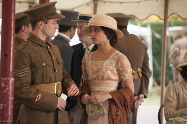 testament-of-youth-taron-egerton-alicia-vikander