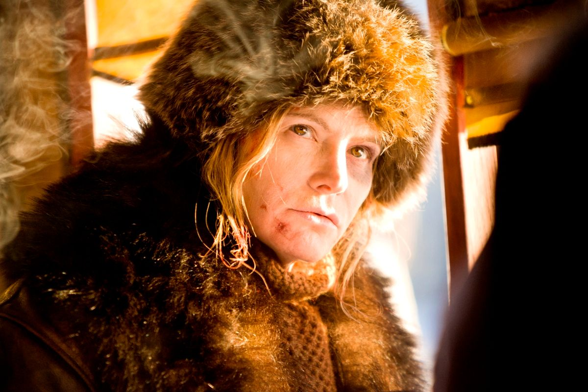 the-hateful-eight-jennifer-jason-leigh.jpg
