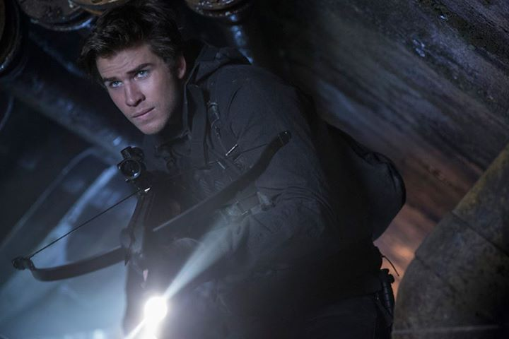 Mockingjay Part 2 Pictures Feature Peeta and Gale Peekin ...