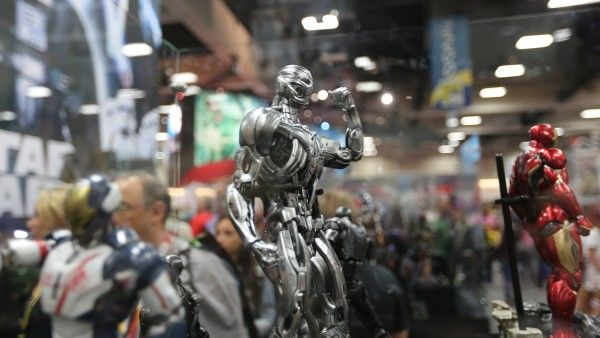 avengers-hot-toys-sideshow-collectibles-booth-picture-comic-con (4)