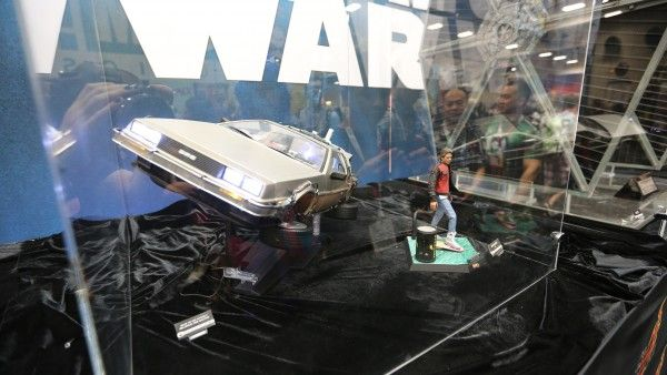 back-to-the-future-hot-toys-sideshow-collectibles-booth-picture-comic-con (1)