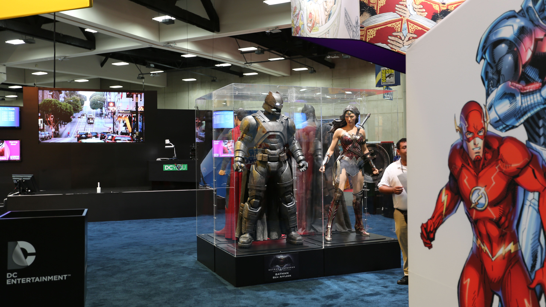 Batman Armor Vs Superman Comic Con