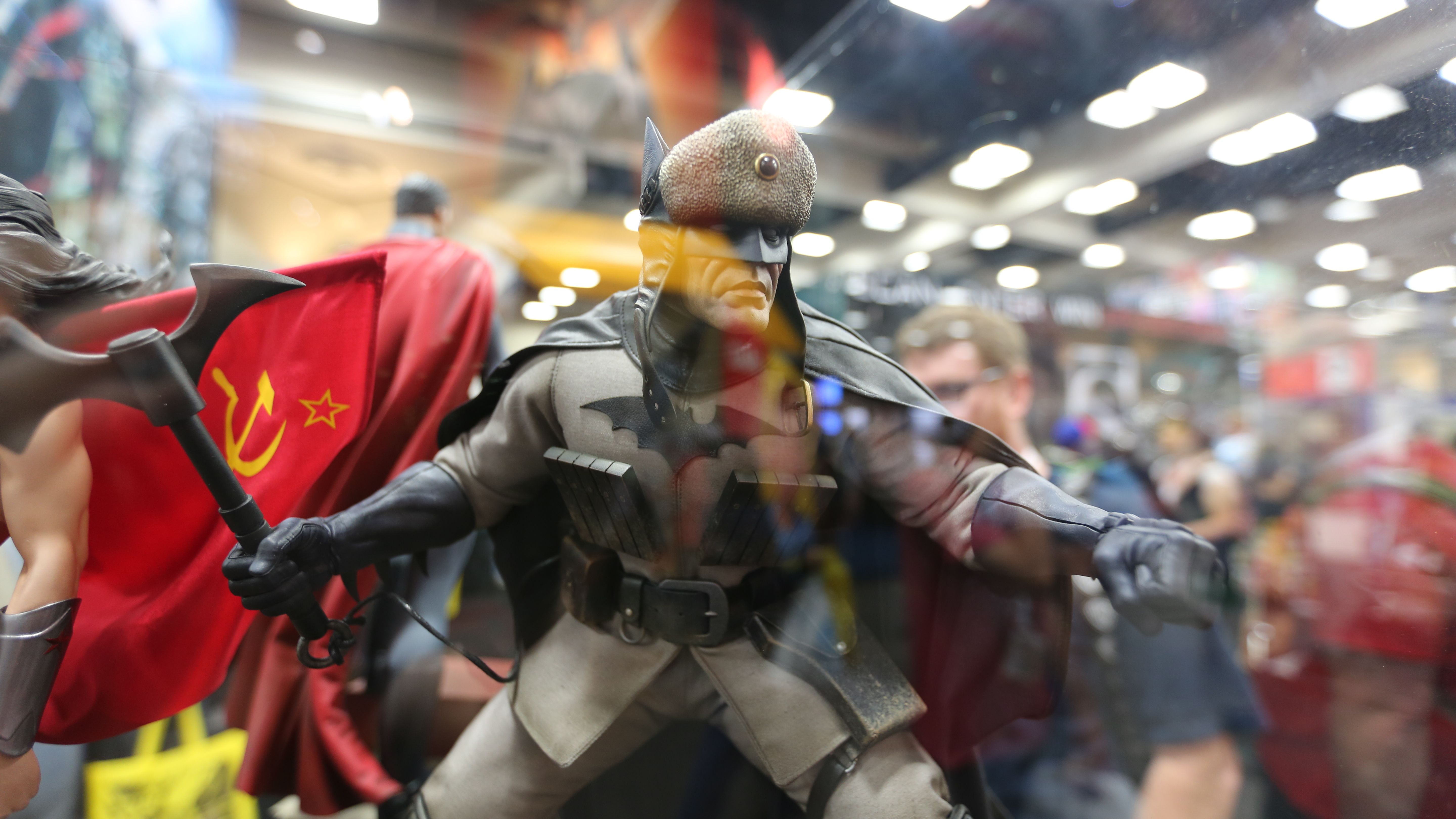 comic con 65 images of some amazing sideshow collectibles collider