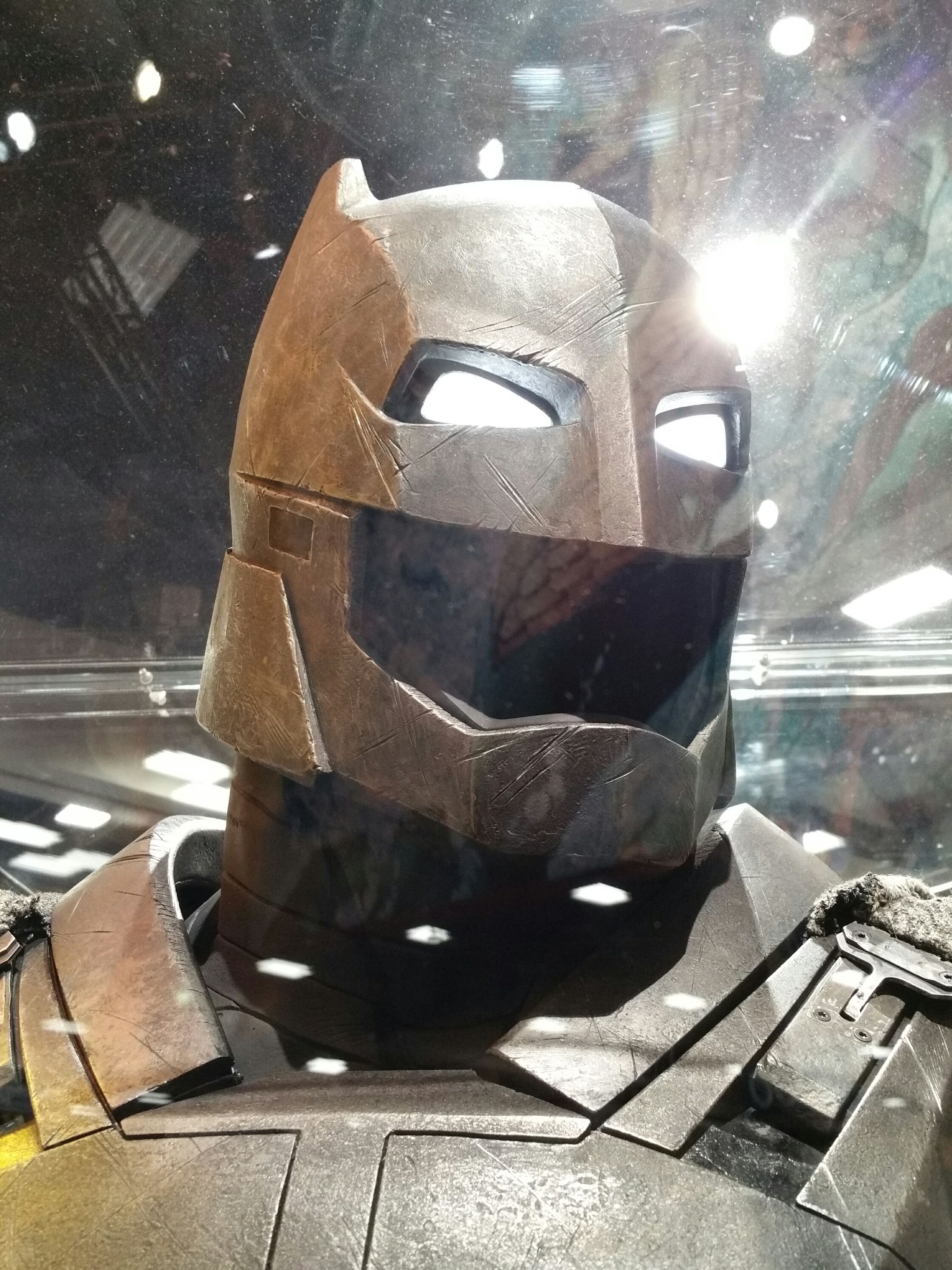 Batman Armor Images from Comic-Con 2015 | Collider