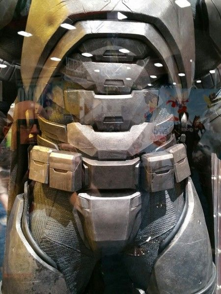 batman-v-superman-armor-image-comic-con