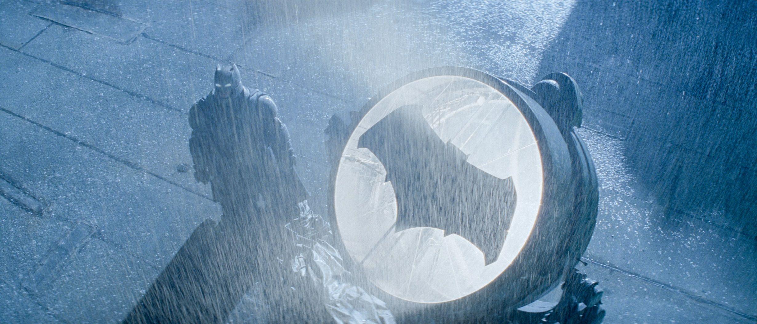 Batman Vs Superman Batsignal