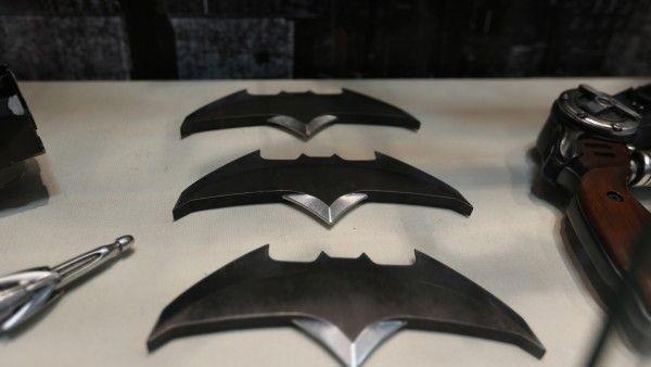 batman-vs-superman-grapple-gun (4)