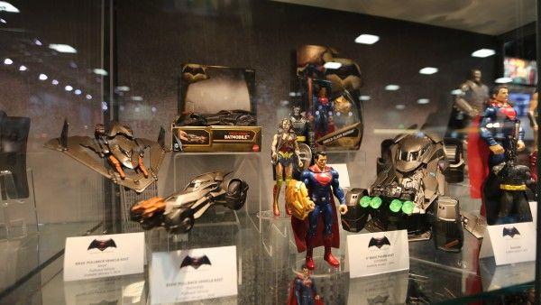 batman-vs-superman-movie-toy-comic-con (1)