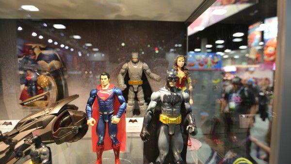 batman-vs-superman-movie-toy-comic-con (10)