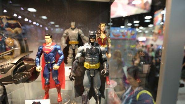 batman-vs-superman-movie-toy-comic-con (11)