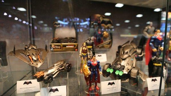 batman-vs-superman-movie-toy-comic-con (12)
