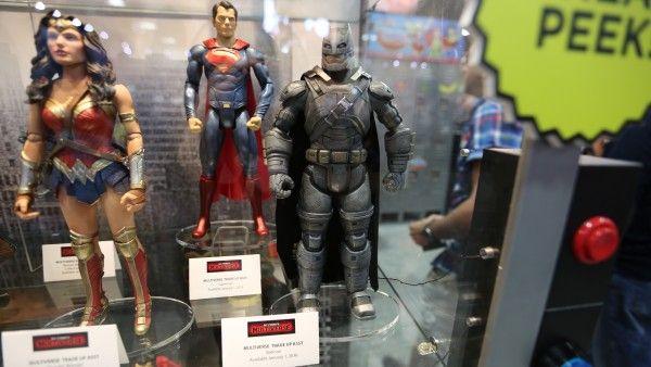 batman-vs-superman-movie-toy-comic-con (5)
